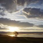 やる気ないフブスグル湖の遊牧民乗馬ガイドと素晴らしい夜明け