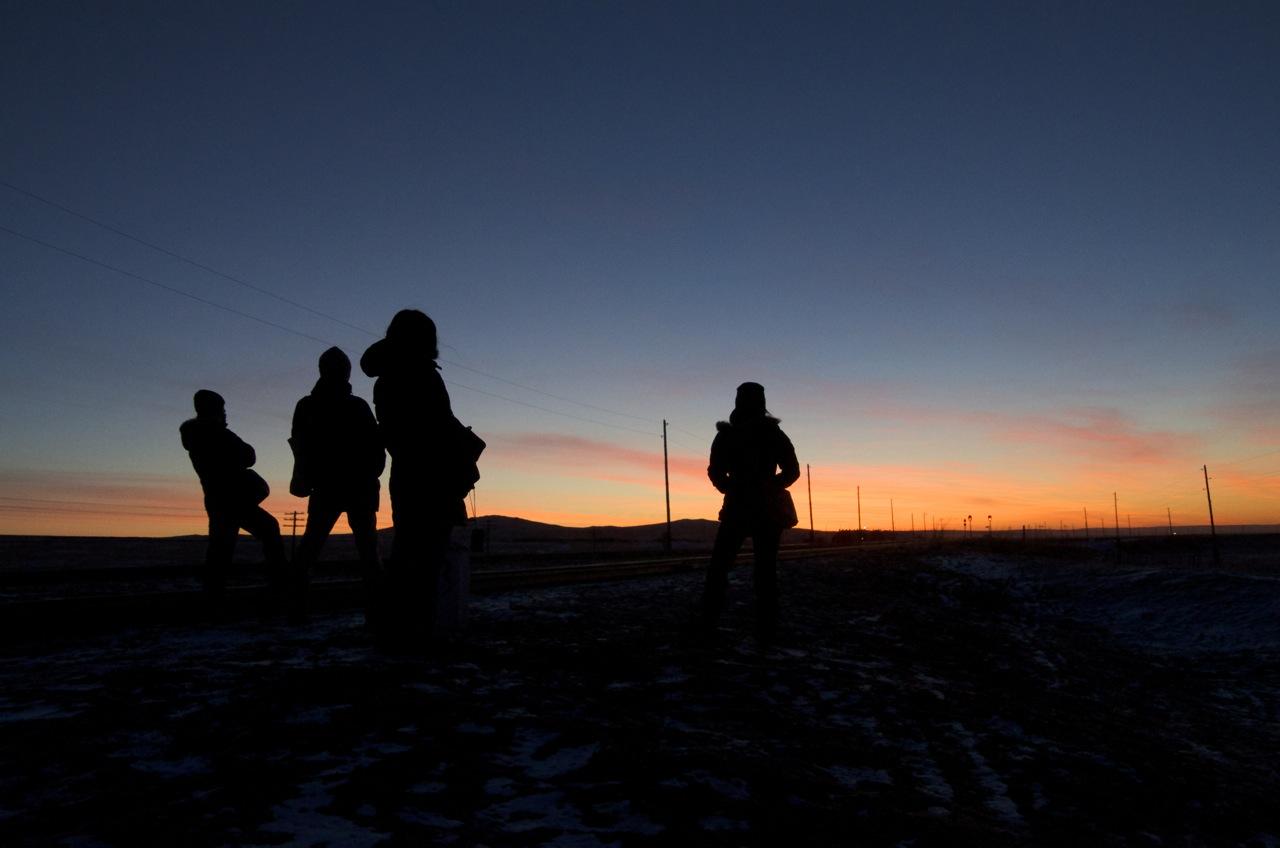 モンゴルで初日の出を見ると太陽に向かって吠えたくなる「うおー!」