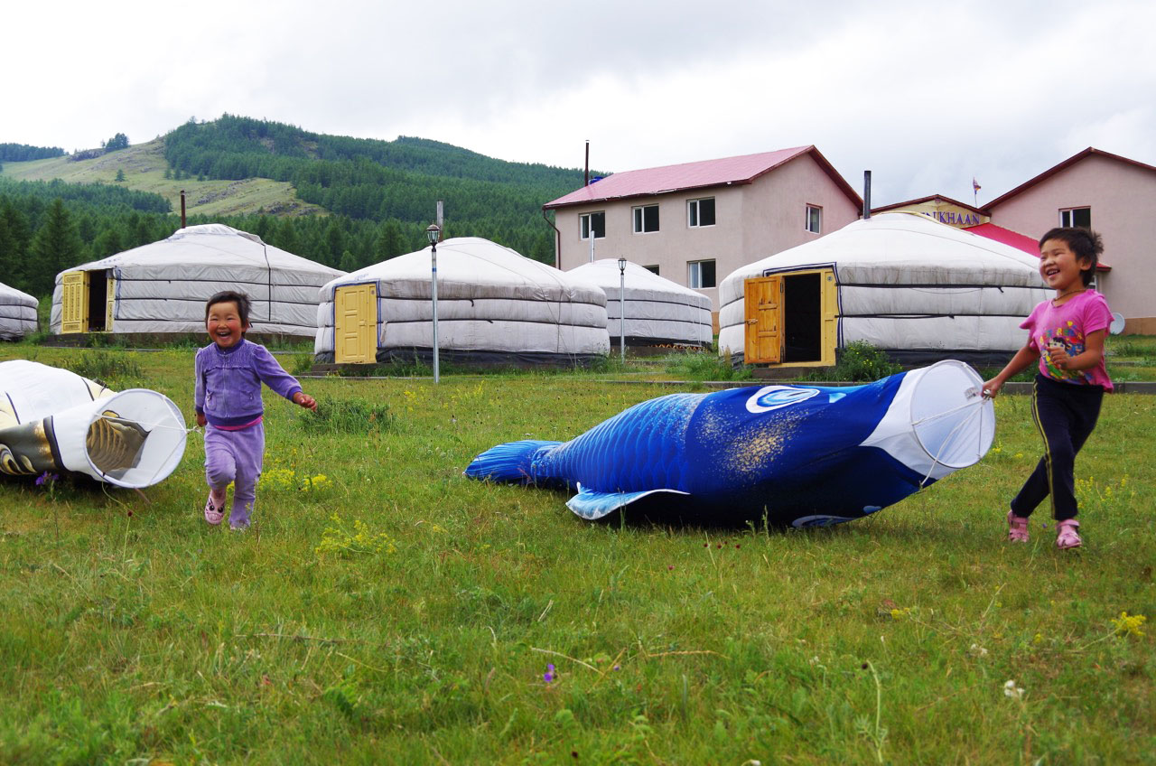 モンゴルで鯉のぼり