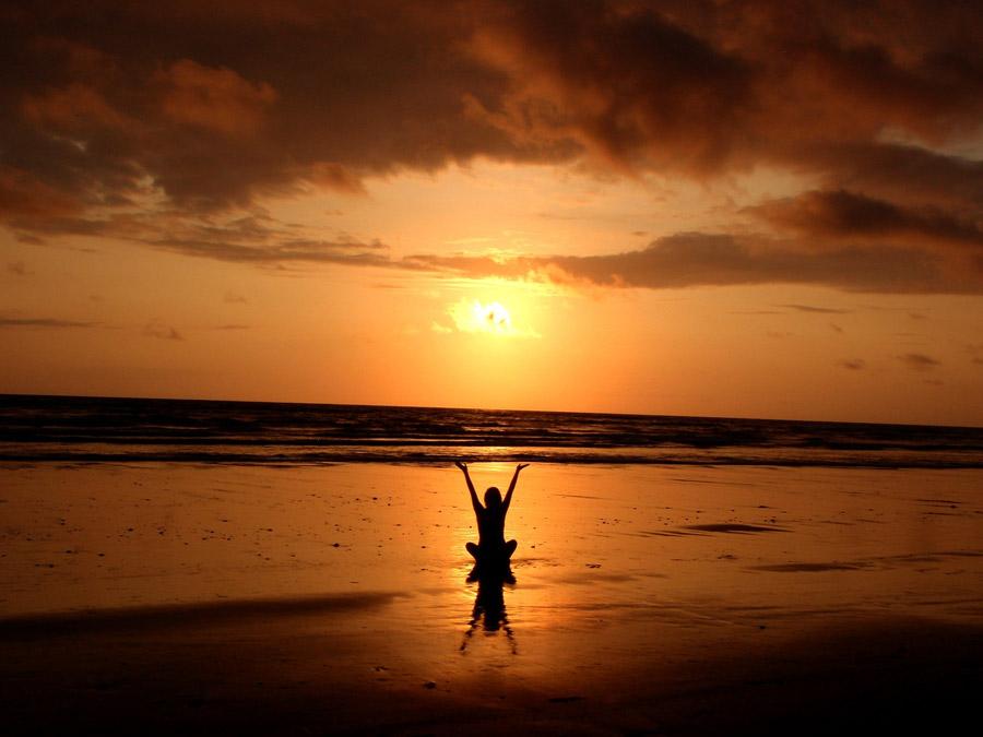 ホットヨガを初めて2ヶ月過ぎた。翌日の体が大晦日夜の空気みたいに澄み渡ってオススメ!